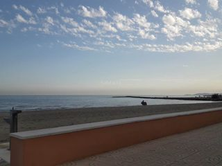 Apartment in Torreblanca. Planta baja frente al mar