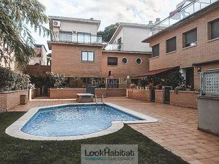 Maison dans La Pineda. Adosada con zona comunitaria con piscina en playa en lluminetes