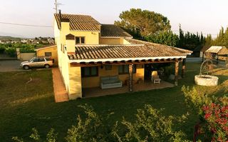 Country house  Guardiola. Masia con terreno de 3400m²