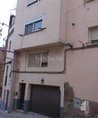 Semi detached house in Cardona. Casa adosada con 2 habitaciones y parking