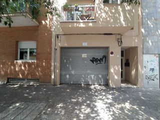 Alquiler Local Comercial en Carrer rutlla, 136. Local comercial en lloguer