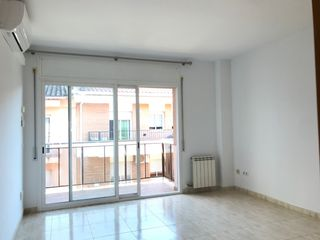 Location Appartement  Carrer sant hipolit. Lloguer pis a pericot