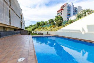 Appartement  Carrer mas pujol. Gran piso con piscina