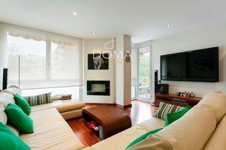 Pis  Joan güell. Piso en venta en barcelona, con 144 m2, 4 habitaciones y 3 baños