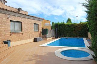 Casa  Vilacolum. Con piscina y jacuzzi