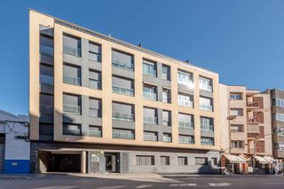 Affitto Appartamento in Eixample-Sant Oleguer. Piso con 2 habitaciones, ascensor y parking