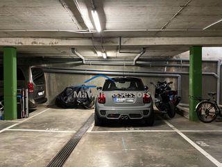 Parking coche  Carrer isidre margenat. Dos plazas contiguas