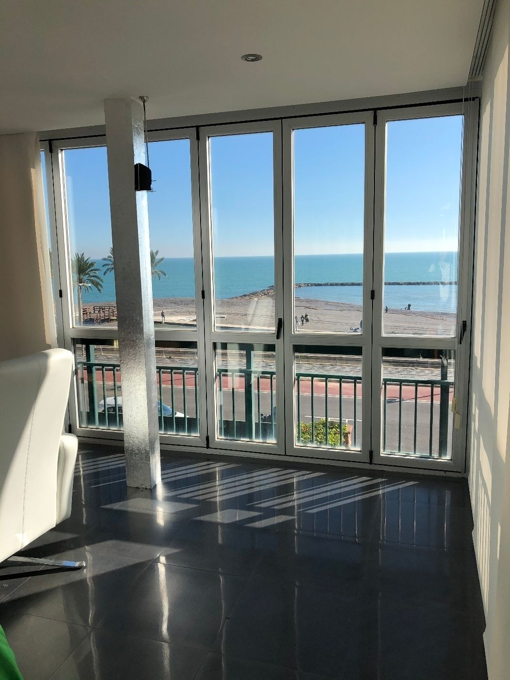 Miete Appartement in Avenida ferrandis salvador, 120. Apartament premium frente al mar