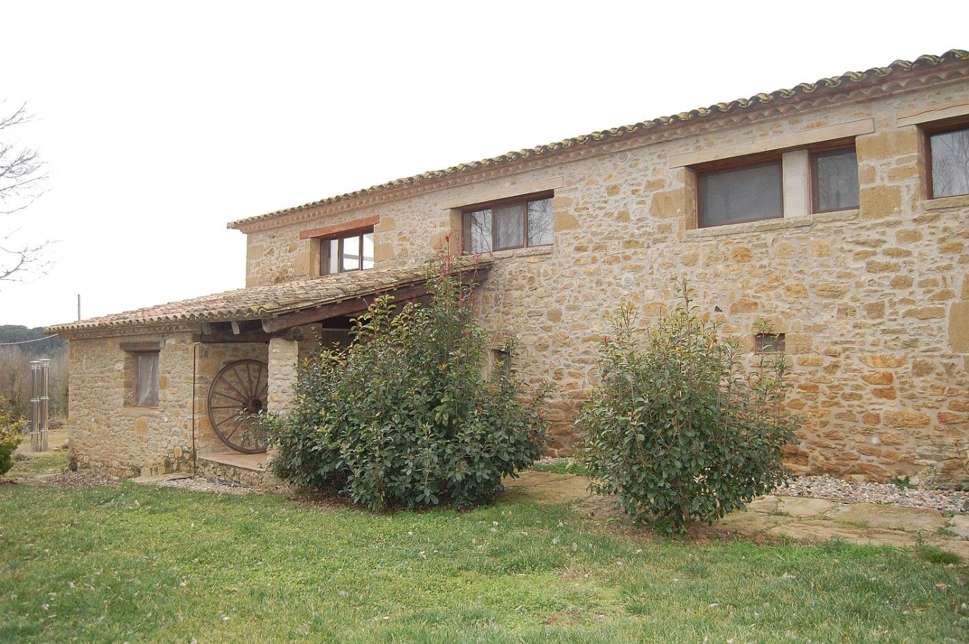 Rent Ground floor in Sant Gregori. Ampli pis en masia amb piscina!