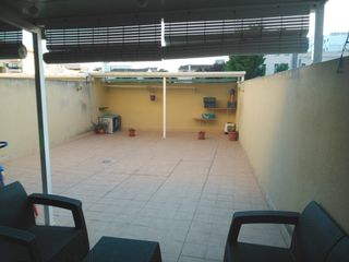 Ground floor in Lloseta. Planta baja con terraza