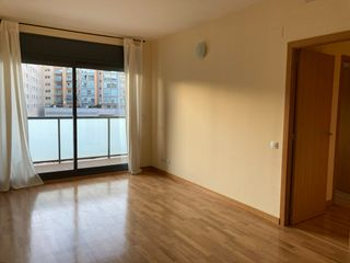 Rent Apartment in Carrer pere iv, 203. Con aire acondicionado y parking