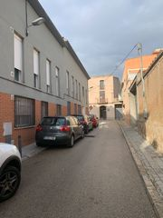 Rent Car parking in Carrer ajuntament, 5