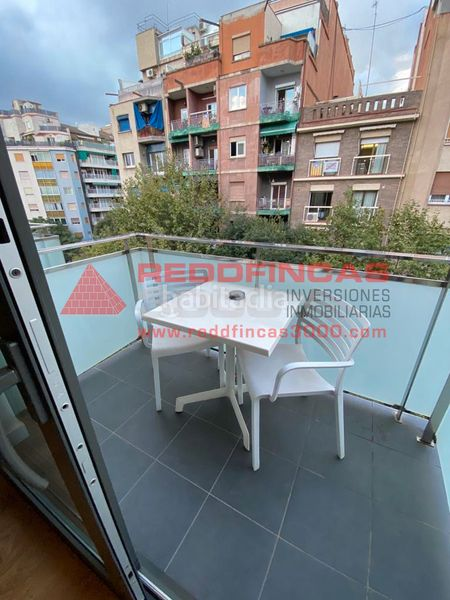 Balcón. Holiday lettings apartment with heating pool in Sagrada Família Barcelona