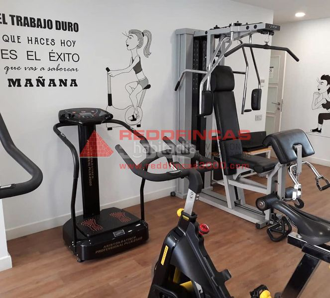 gimnasio. Holiday lettings apartment with heating pool in Sagrada Família Barcelona