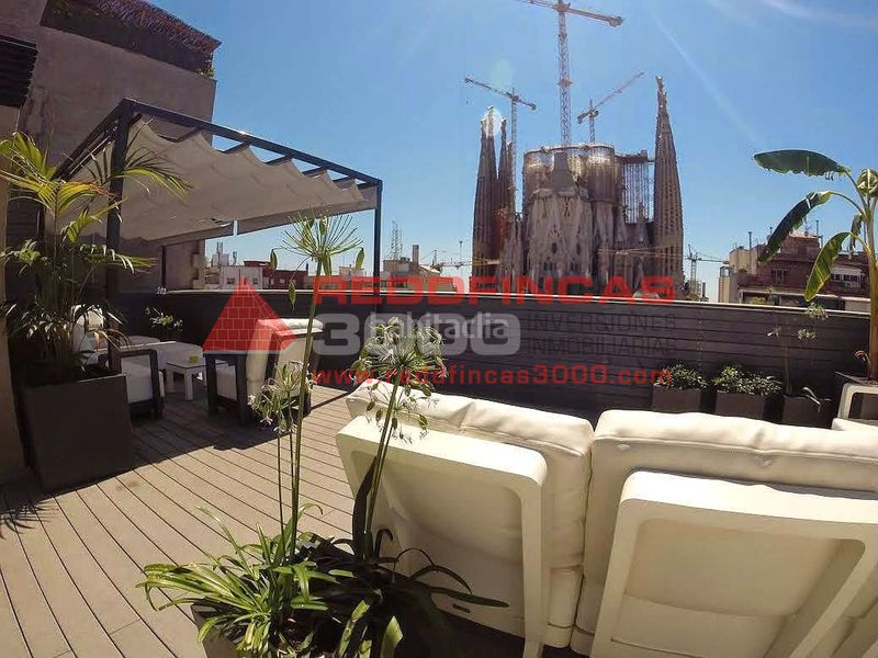 Terraza. Holiday lettings apartment with heating pool in Sagrada Família Barcelona