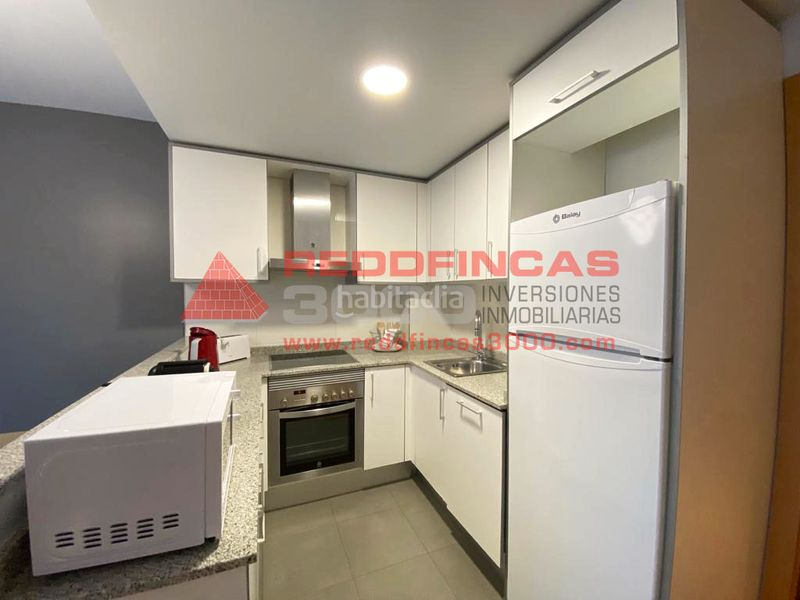 Cocina americana. Holiday lettings apartment with heating in Sagrada Família Barcelona