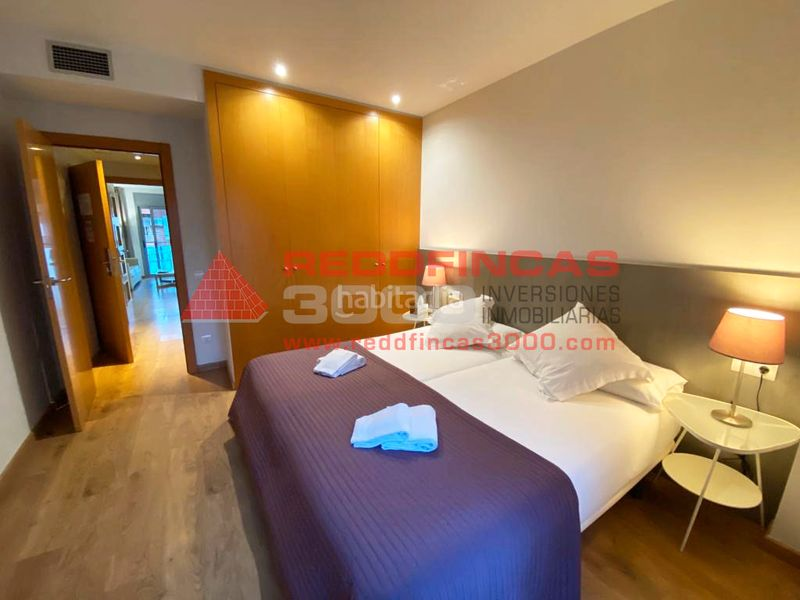 Dormitorio matrimonio. Holiday lettings apartment with heating in Sagrada Família Barcelona