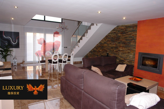 Casa adosada en Vinyets-Molí Vell. Espectacular