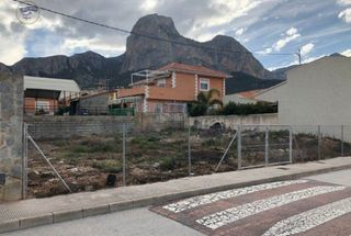 Urban plot in Polop. Terreno urbano  en polop zona noble