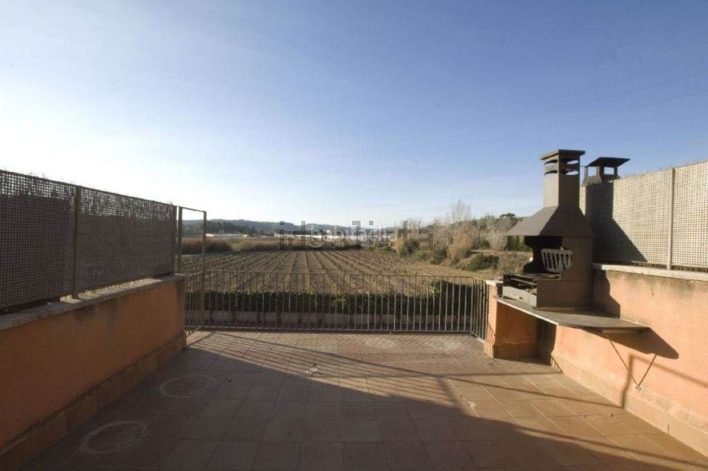 Semi detached house in Sant Sadurní d´Anoia