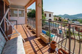Chalet Urbanitzacions. Casa a cuatro vientos con piscina en blanes