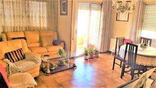 Apartamento  Travessera jardins. Piso soleado y céntrico