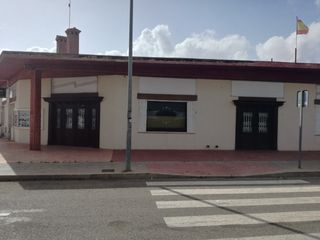 Lloguer Local Comercial en Calle taray, 117. Local comercial con terraza