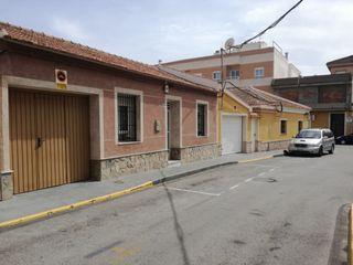 Casa Calle Santa Isabel, 5. Planta baja con garaje