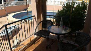 Casa adosada Avenida Riegos De Levante, 1. Con piscina privada