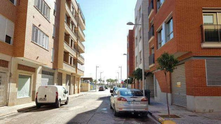 Aparcament cotxe en Corts valencianes 1