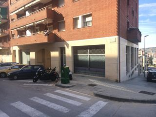 Business premise in Carrer colombia, 11. Local comercial venta granollers