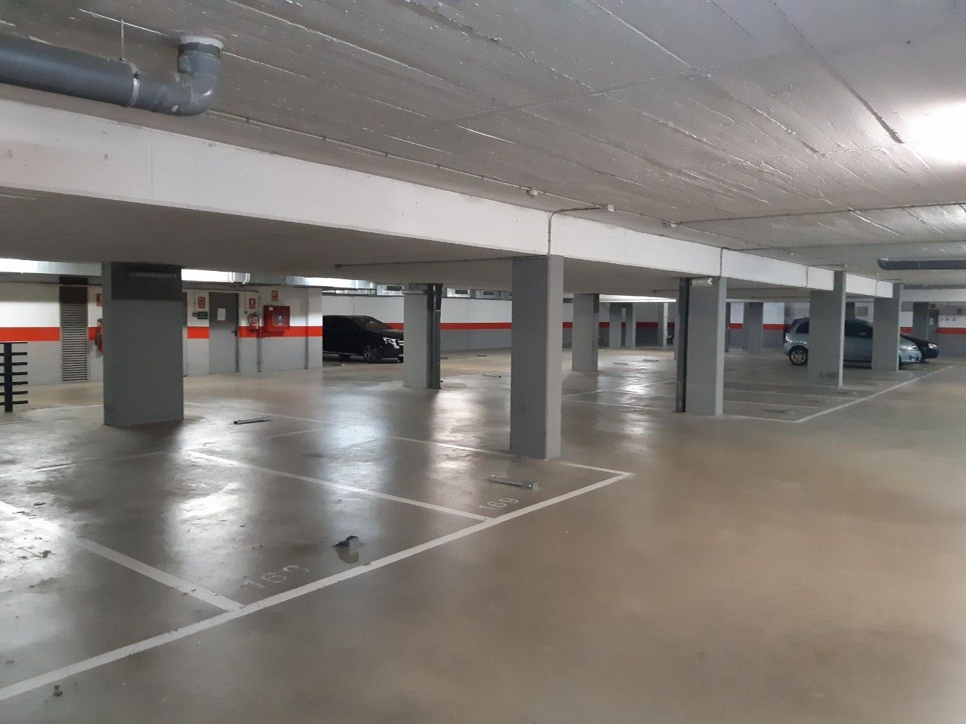 Parking coche en Passeig pau claris, 62