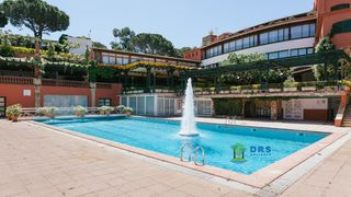 Location saisonnière Appartement à Carrer ronda d´europa, 3. Sea & beach canyelles apartments