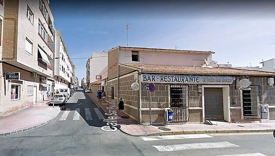 Affitto Locale commerciale in Calle san pascual, 167. Alquiler local con vivienda