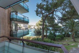 Etagenwohnung in Cas Català-Illetes. Bonito apartamento en 1. linea de mar en illetas