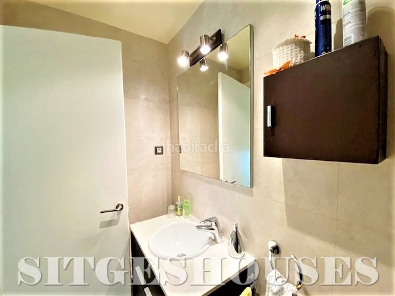 Baño. Flat with heating in Centre Sitges