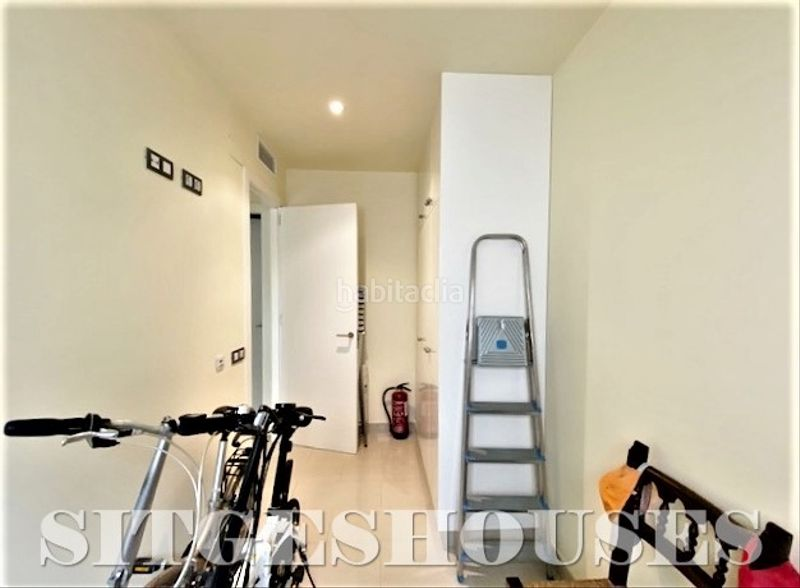 Dormitorio individual. Flat with heating in Centre Sitges