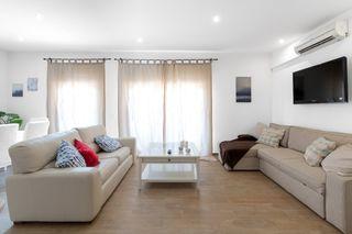Apartament Avinguda Banys, 14. Apartament en lloguer de vacances en castelldefels, lluminetes p
