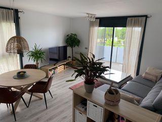 Apartament Passeig Maritim, 138. Apartament en lloguer de vacances en castelldefels, la pineda pe