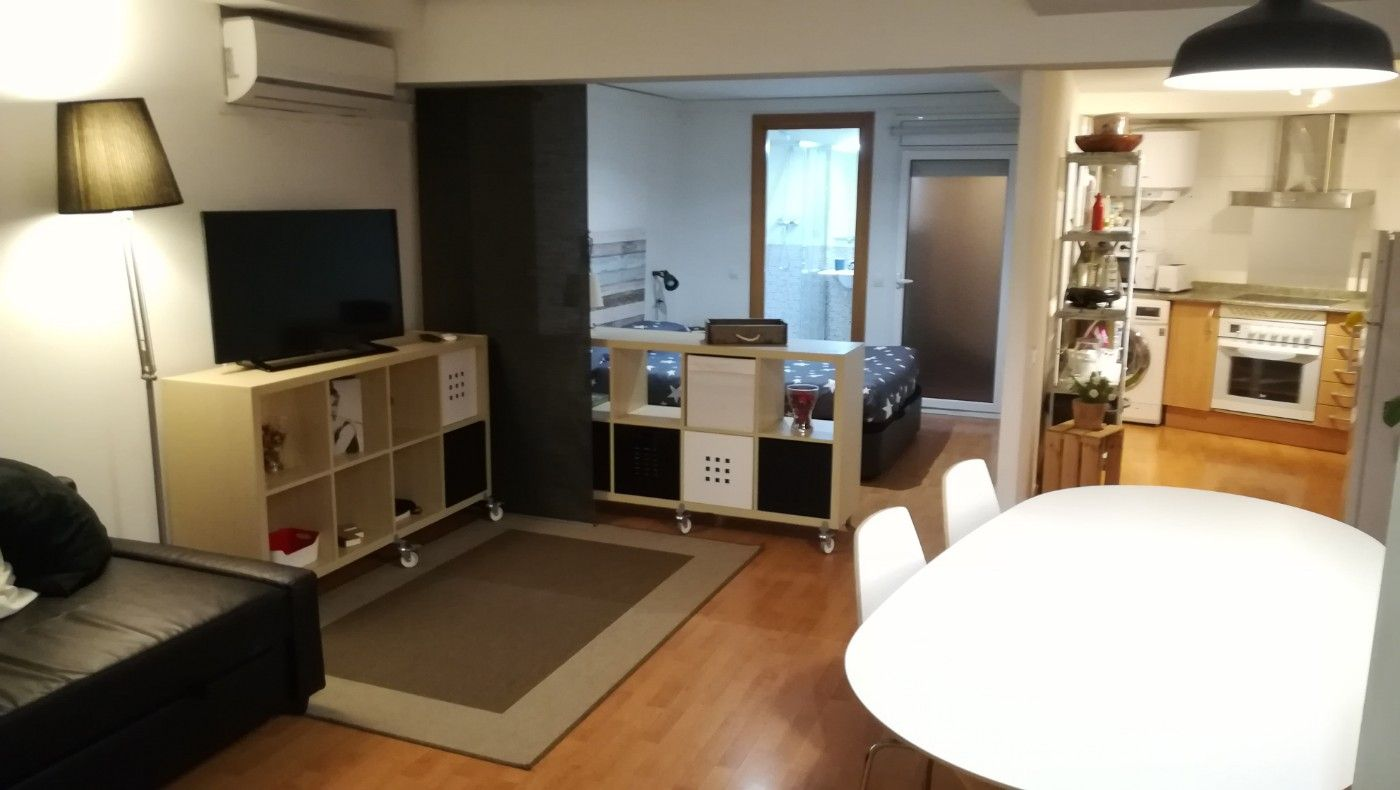 Loft en Carrer valldonzella, 7. Ideal por zona y precio
