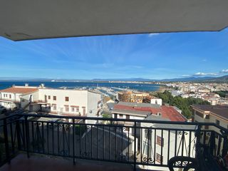 Apartment in Carrer francesc alegre (de), 9. Bonito apartamento con vistas!