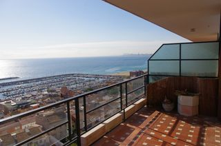 Location Appartement à Carrer sant miquel, 109. Magnificas vistas y piscina com.