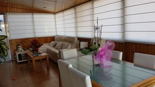 Rent Penthouse in Carrer jambrina, 7. Muy luminoso con terraza
