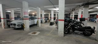 Rent Motorcycle parking in Carrer pol.lacra goleta constanza, 27. Fácil acceso