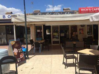 Locale commerciale in Carrer del vell-marí 1. 2 locales. plaza des corso.