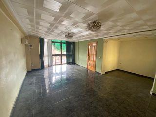 Appartamento  Calle lauri volpi. Piso con 3 habitaciones con ascensor y parking