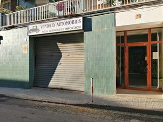 Rent Business premise in C/ clausell. Local comercial