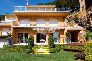 Casa en Aiguafreda-Sa Tuna. Casa dúplex de lujo en venta situada en sa tuna, begur