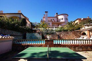 Casa a Pals. Villa unifamiliar en venta situada en zona residencial del munic