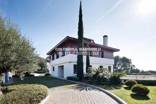 Casa a Alella. Villa de lujo con vistas al mar